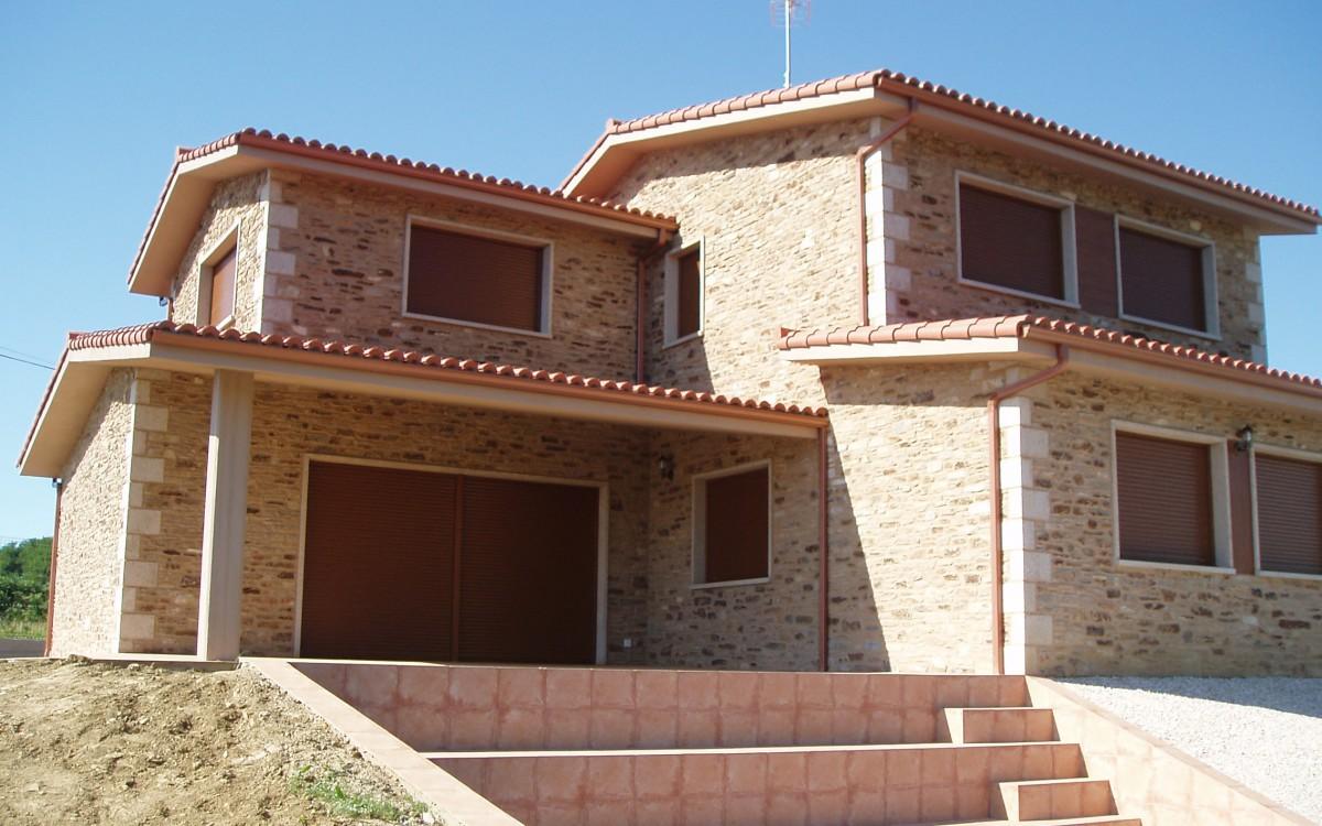 R stica de lujo con piscina for Casas con piscina gijon